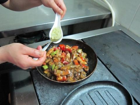 Рецепт вкусных оладушек на кефире тонкие